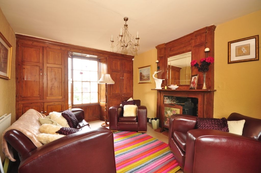All Rooms Feature Original Fireplaces And Period Features Such As Original  Doors And Shutters To The Main Reception Rooms On The Ground Floor.