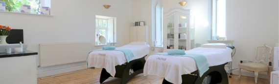 Top Quality Spa Massage Tables, Roll Top Bath, Vintage sofa and LED Crystal Chandalier
