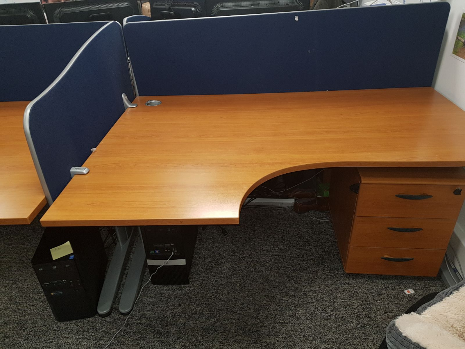 Office furniture for sale in bournemouth bbx uk for Office furniture for sale