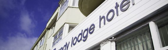 Sandy Lodge – Beautiful accommodation minutes from Newquay beach (off peak only)