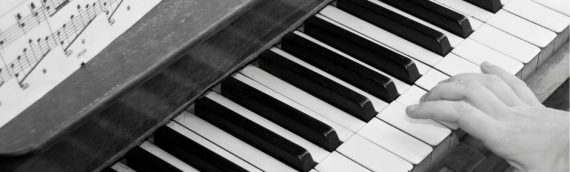 Piano/Keyboard Lessons For Beginners In Your Own Home Online!